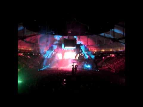 U2 - It's A Beautiful Day LIVE at La Plata 02.04.2011