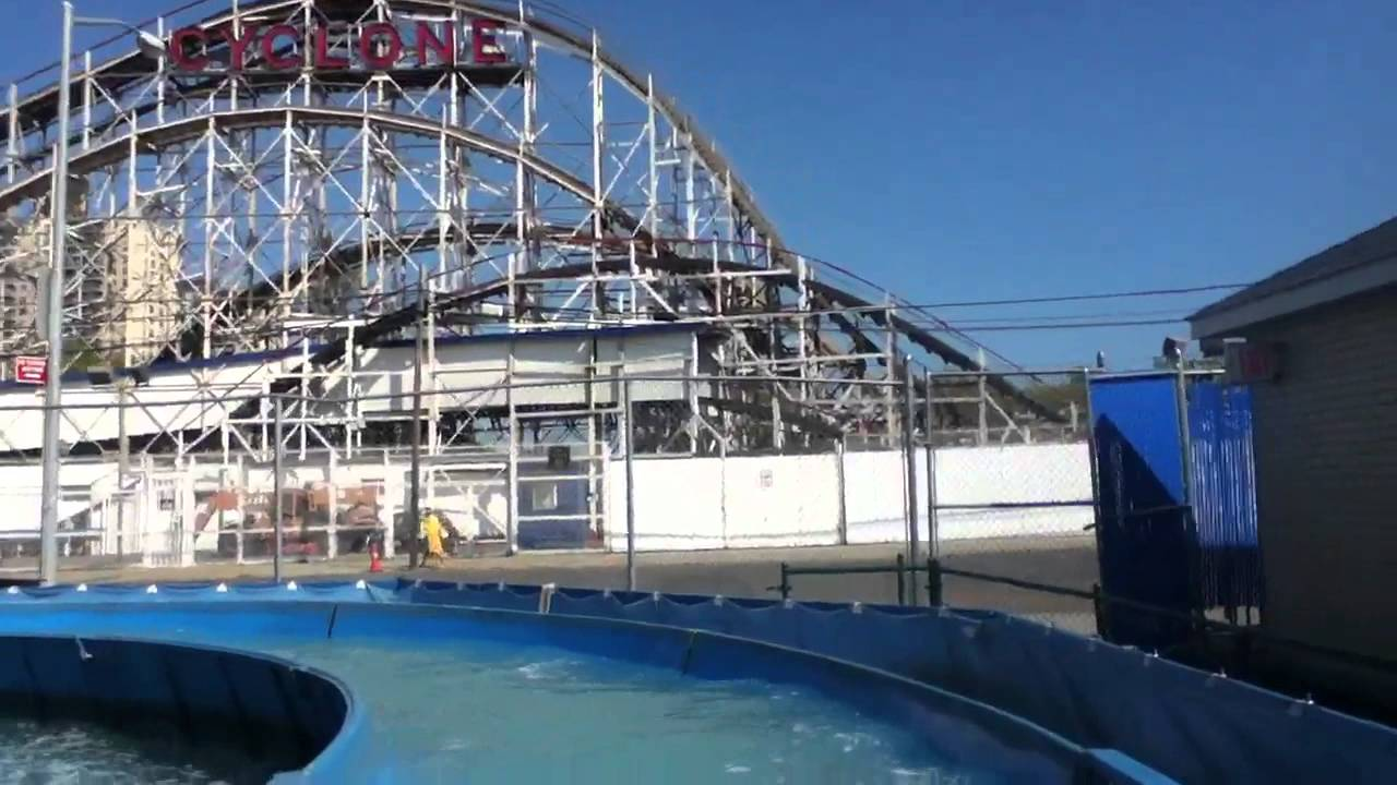 On board the wild river at luna park in coney island nyc for Puerta 9 luna park