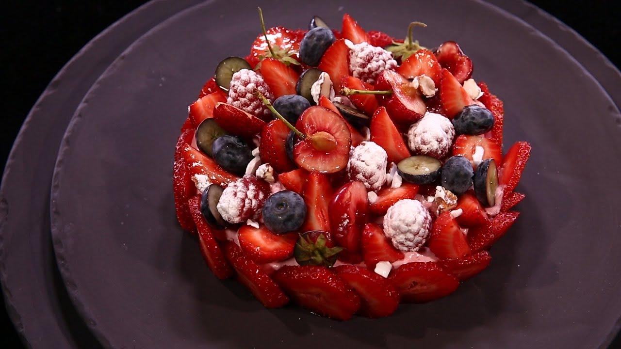 dessert aux fruits rouges fa on charlotte par. Black Bedroom Furniture Sets. Home Design Ideas