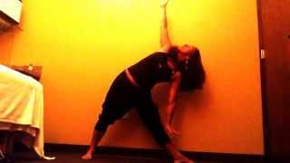 Utthita Trikonasana - Triangle Pose