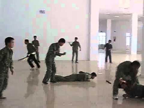 Huấn luyện cho lực lượng đặc công.flv