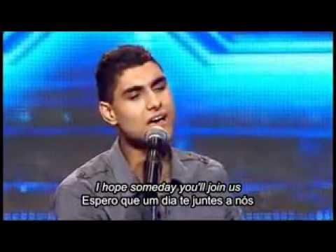 Rapaz 17 anos , Iraquiano e mutilado pela querra, veja ele cantando..flv