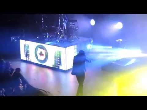 Migraine - Twenty One Pilots (Live in Denver)