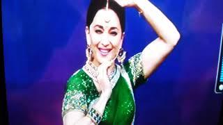 Mohe Rang Do Lal choreography with Madhuri Dixit Nene On Tata sky dance studio