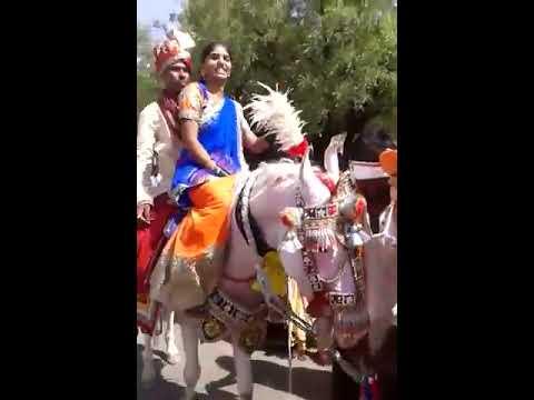 comedy and stupid video.....dulha dulhan dance