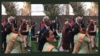 83-year-old Sir Gary Sobers shakes leg to Bollywood song at an Indian wedding in West Indies