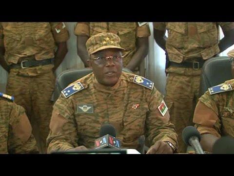 Burkina Faso: le patron de l'armée se proclame chef de l'Etat