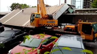 Video Atap Harbour Bay Batam Roboh download MP3, 3GP, MP4, WEBM, AVI, FLV Desember 2017