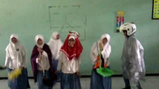 Video Anak SMA Gokil Abis Goyang Pinguin, Bikin Ngakak!!!
