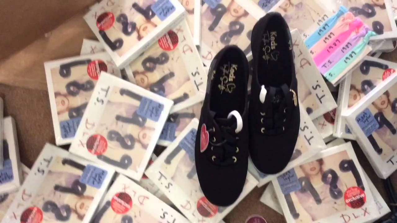 1e8eb55d8d3 Long Sleeve Seagul Taylor Swift 1989 + SNeaky Cat Keds Indo - YouTube