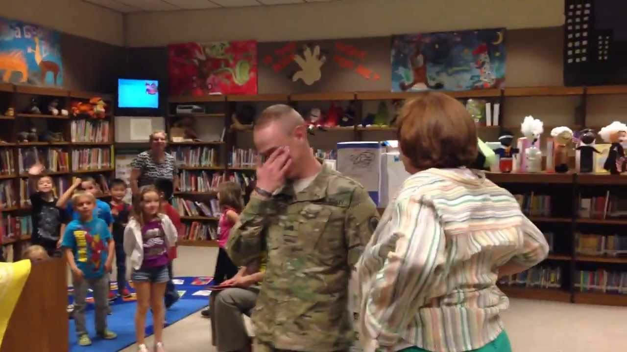 Young Soldier returns early from Afghanistan surprises his mom at work