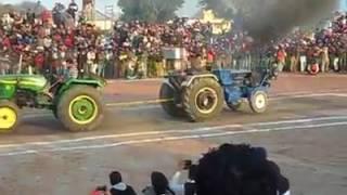 CRAZY John Deere Vs Farmtrac 60 Tractor TOchan ★ JATT DA TRACTOR Video HD