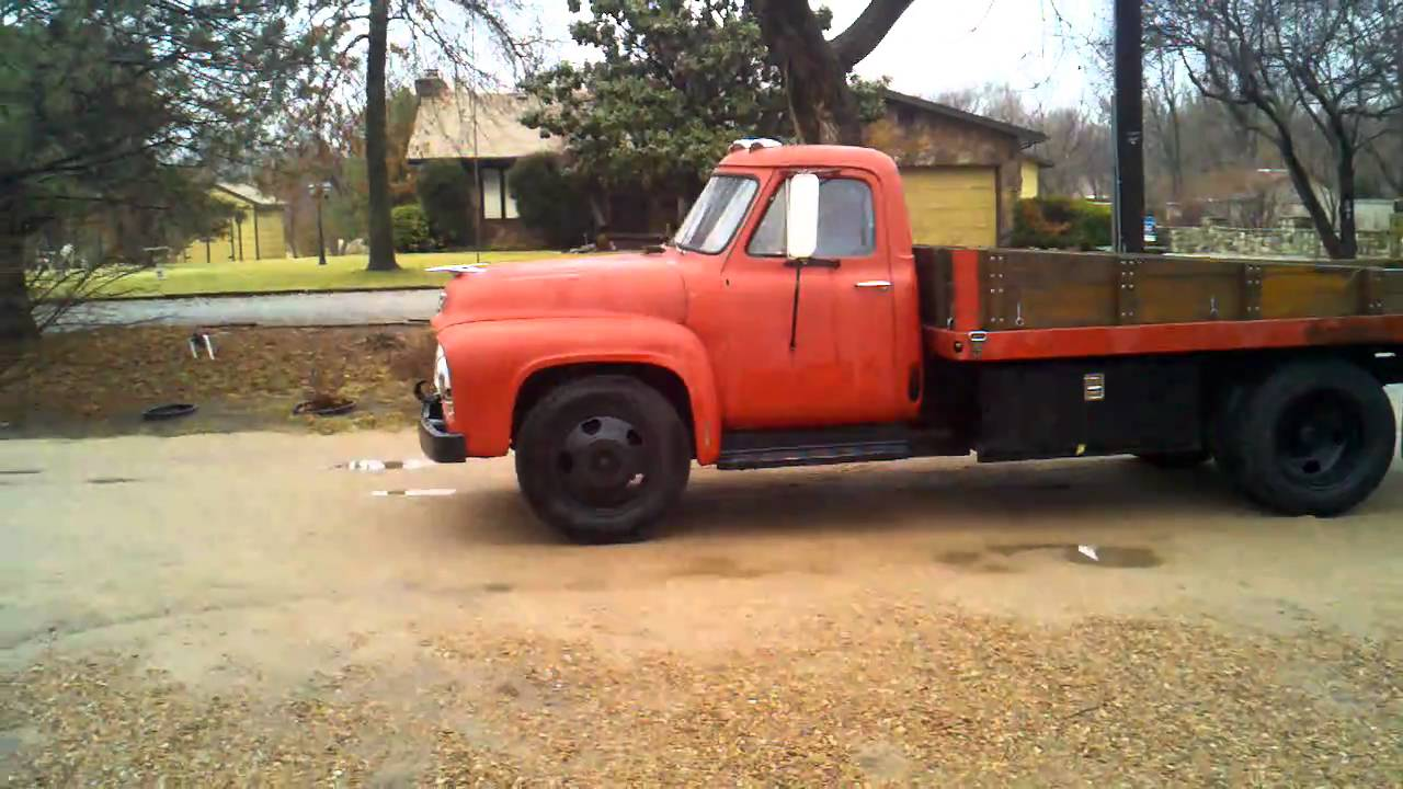 1953 ford 1 1/2 ton grain truck burnout - YouTube