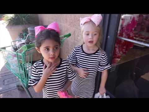 Everleigh and Ava  GIVE VALENTINE BAGS TO THE HOMELESS!! (PART 1) FOREVERANDFORAVA