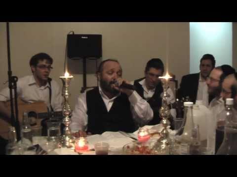Kumzitz Melave Malka with Yehuda Green