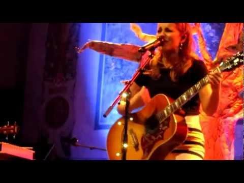 Katarína Knechtová - Acoustic tour 2013 (Diaľkové ovládanie, Vaňa plná piraní) /live/