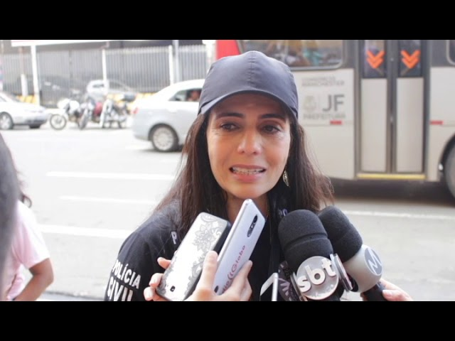 """""""APITAÇO"""": Polícia Civil distribui apitos em pontos de ônibus"""