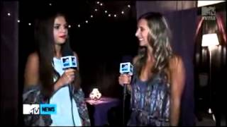 Selena talking to MTV News