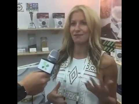 LuckyVitamin Live with Purely Elizabeth at Natural Products Expo East - Baltimore 2016