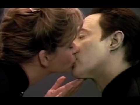 Youtube lesbian kiss 22 - 5 1
