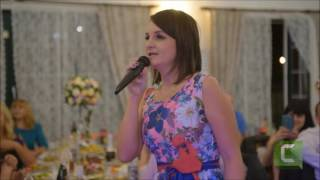 Трогательное поздравление невесты на свадьбе от подруги