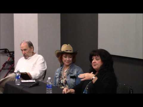 Tammy Locke and Kim Lankford at Western Film Fair 2017 panel discussion
