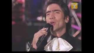 Como Quien Pierde Una Estrella, Alejandro Fernandez en vivo