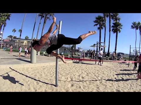 Calisthenics at Muscle beach with Raw Movement