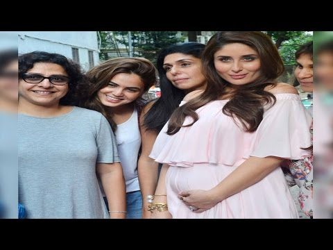 Pregnant Kareena Kapoor parties with her friends