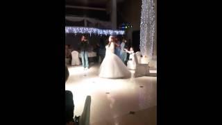 Сюрприз для жениха на свадьбе,невеста шикарно поет