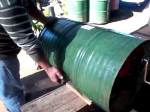 Fabricar chulengo o parrilla con un termotanque 1 doovi for Como se hace una puerta de tambor