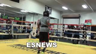 young fighters doing the ali shuffle EsNews Boxing
