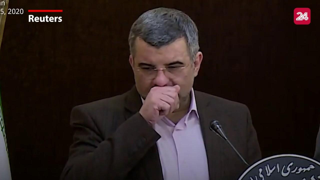 Thứ trưởng Y tế Iran ho và lau mồ hôi trong họp báo trước khi dương tính với Covid-19 | VTV24