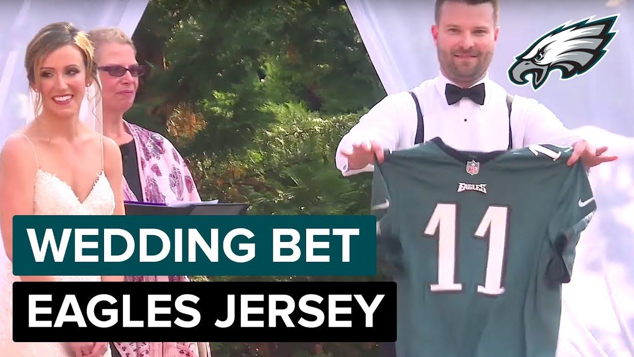 the best attitude 3628f d4c3e Groom Wears Carson Wentz Jersey After Winning Wife's Super Bowl Bet |  Philadelphia Eagles