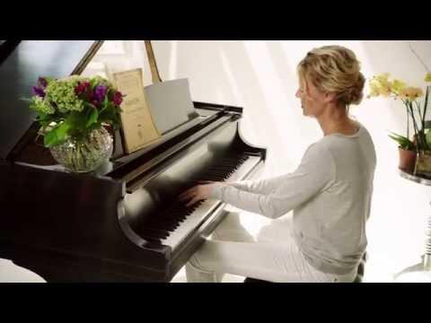 Connie Nielsen, Mitt liv, Min historia - Ellos