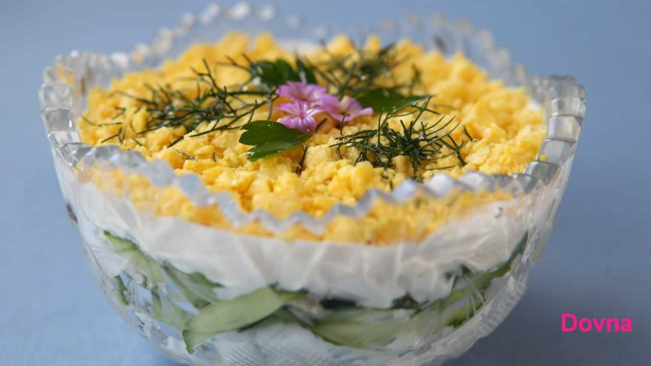 Рецепт Салат из курицы с ананасами и кукурузой на