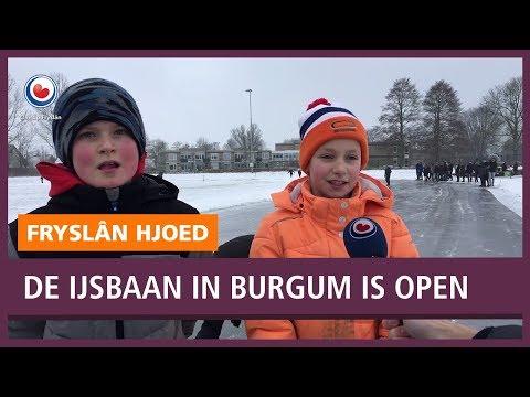 REPO: De ijsbaan in Burgum is open: burgemeester en kinderen genieten volop