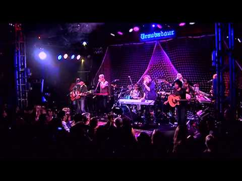 """Hall and Oates - """"I Can't Go For That"""" - Live from the Troubadour 2008 (3/3) HD"""
