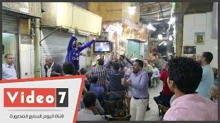 فرحة الجماهير المصرية باهداف كلاسيكو الأرض بين الريال وبرشلونة