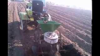 Мототрактор ZUBR-посадка картошки под нагрузкой.(, 2015-05-08T17:09:03.000Z)