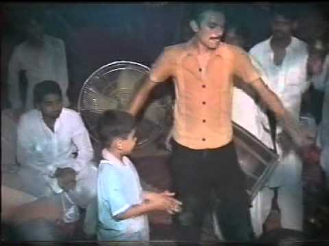 TALHA DANCE ON AMIR WEEDING..(PAKISTANI WEEDING)...KAMONKE