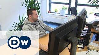 Как получить Blue Card, или Работа в Германии с большой зарплатой(Германия заинтересована в привлечении высококвалифицированных специалистов из-за рубежа. С этой целью..., 2015-08-01T09:40:23.000Z)