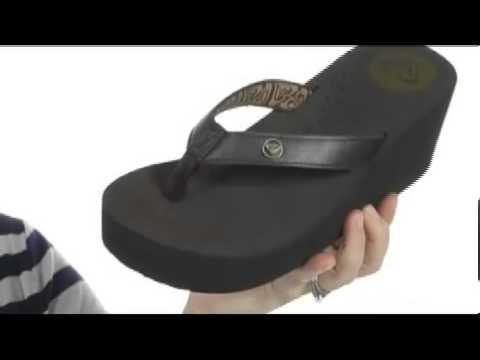 593af3d5fbb133 Roxy Pagoda Leather II SKU  8089887 - YouTube