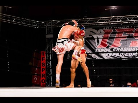 Advanced Muay Thai Techniques: Setting up the Clinch