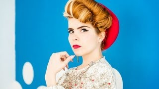 "Paloma Faith - ""Picking Up The Pieces"" (Live Session + Interview)"