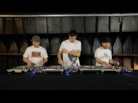 innoFADER Sessions DJ Cheeba, DJ Food, DJ Moneyshot - Caught in the Middle of a 3 Way Mix