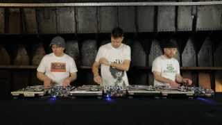 innoFADER Sessions DJ Cheeba, DJ Food, DJ Moneyshot - Caught in the Middle of a 3 Way Mix
