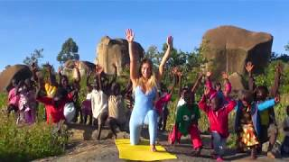 Elisa De Panicis   Italian Superstar In Kenya