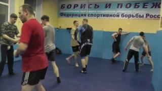 Валерий Крючков  С А О Стрела  Противодействие ударам ножом обратным хватом на коротких дистанциях