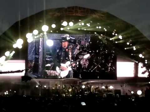 Bon Jovi - Living on a prayer Live @ Helsinki 17.6.2011